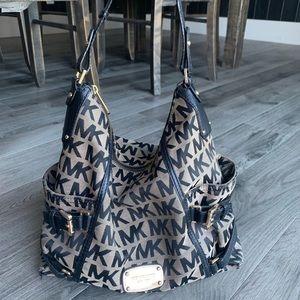 Michael Kors handbag / purse